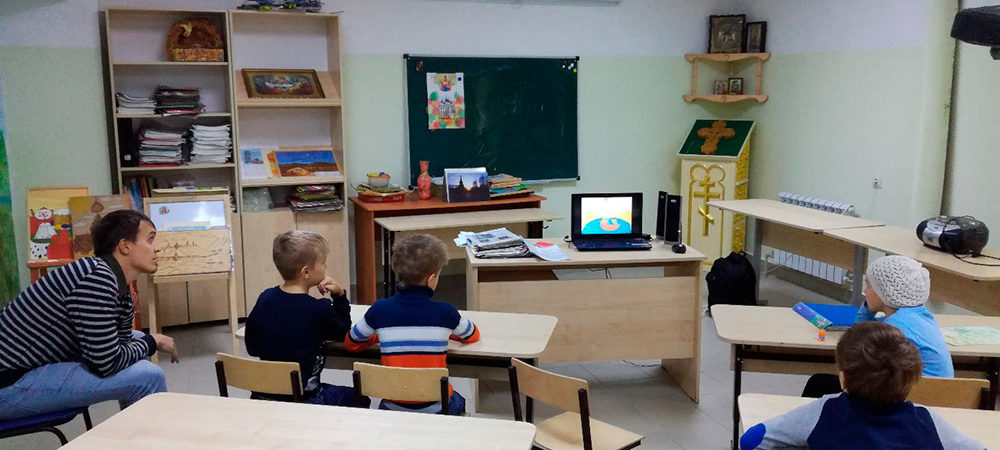 Продолжаются занятия в воскресной школе Троицкого храма в Копосово
